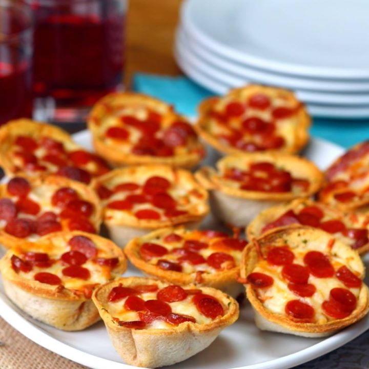 Mini Garlic Bread Pizza Cups