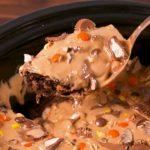 Crock-Pot Reese's Cake